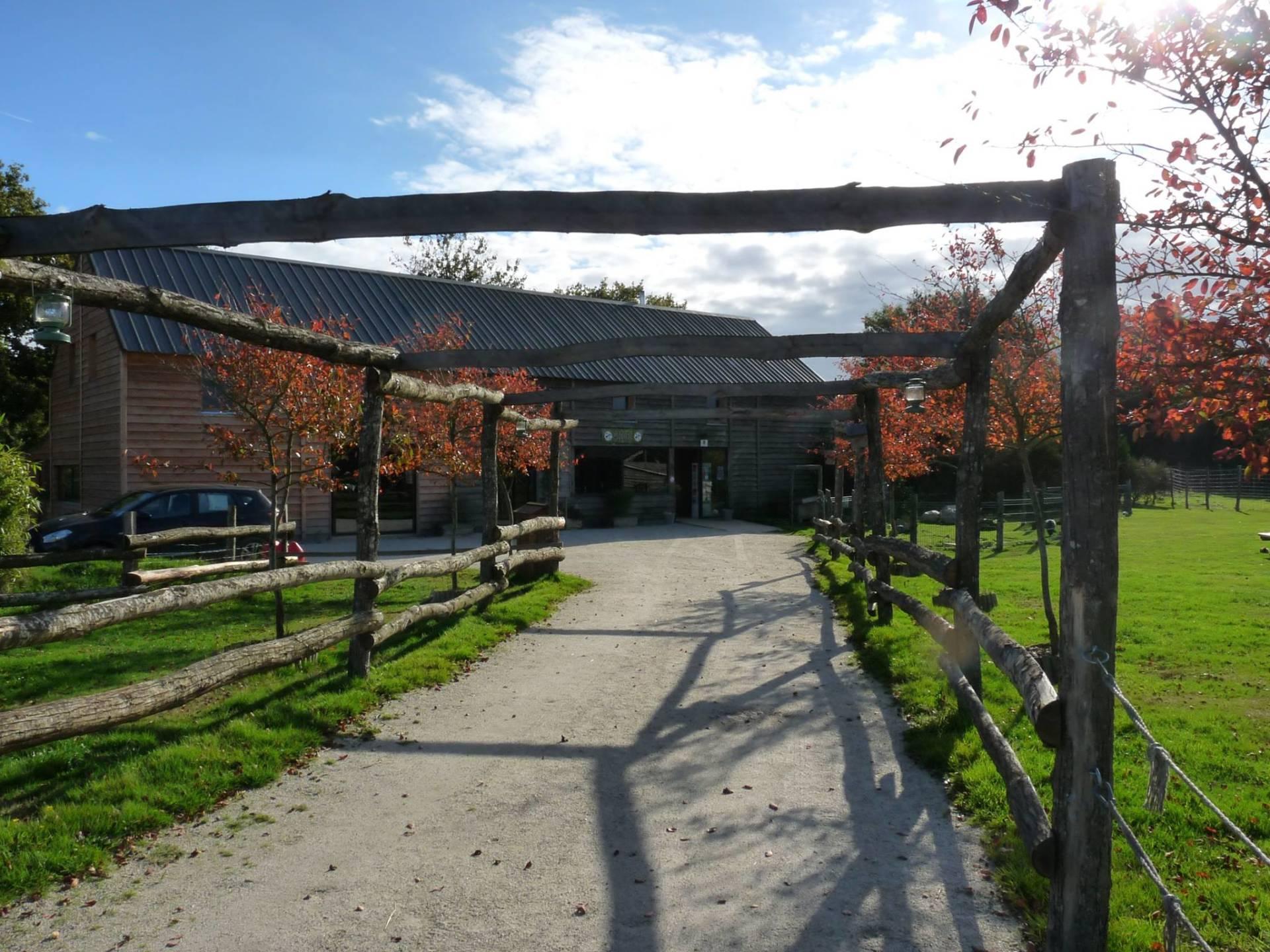 Notre lodge pour séjourner au calme près d'Alençon | Parc animalier d'Écouves
